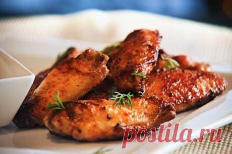 Хрустящие куриные крылышки на гриле — Sloosh – кулинарные рецепты