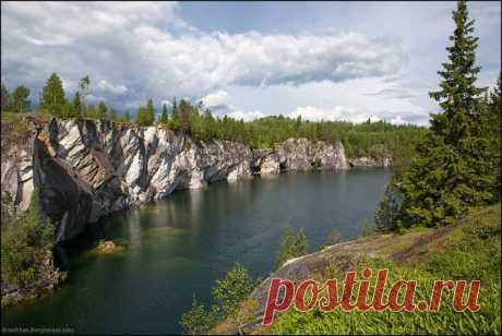 Вокруг Ладоги В этот раз традиционный июньский выезд в Карелию решено было делать не на Бесов нос, как несколько лет подряд до этого, а на Ладогу. Вернее, вокруг Ладоги. Многочисленные водопады, озера, реки, пороги…