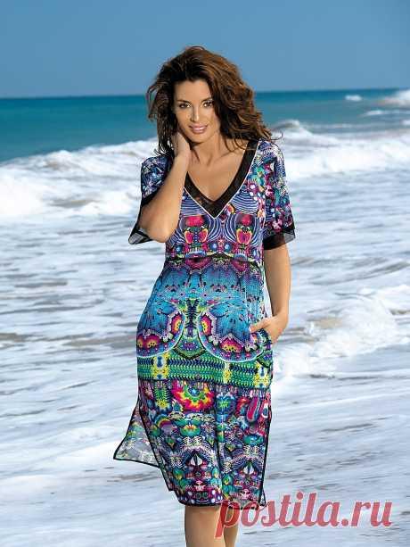 Платье-туника 2019 (77 фото): с чем носить, новинки, вязаное, в полоску, с карманами, черное, из шифона, длинное
