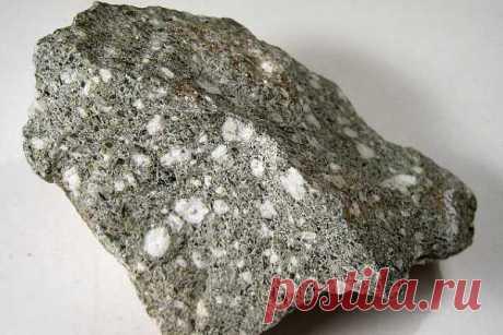 Андезит: свойства горной породы, описание, состав, текстура, полированный камень, что такое андезито-базальты, цена, как выглядит (фото), применение, происхождение