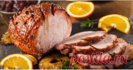 Восхитительное запеченное мясо на праздничный стол Замаринованное, а потом запеченное мяско получается таким, что просто тает во рту.😍😊