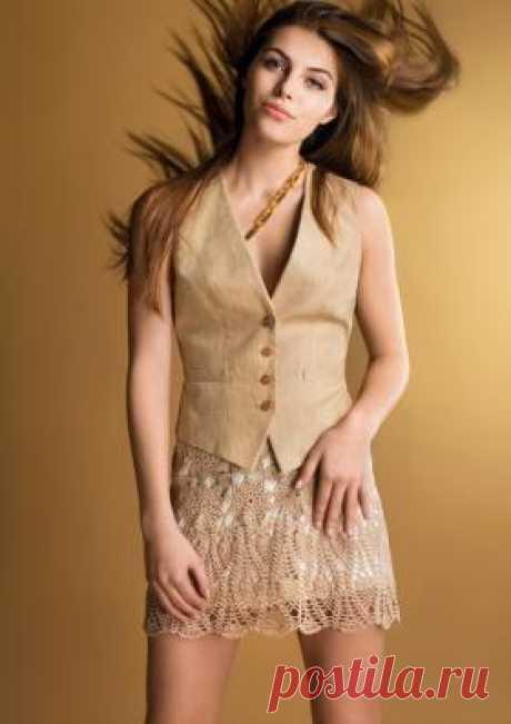 Мини юбка Бохо де люкс Стильная молодежная юбка, связанная крючком 1.5 мм из хлопковой пряжи бежевого цвета. Юбка состоит из мотивов по верхнему краю и...