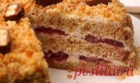 Миттєвий торт зі згущеним молоком, покроковий рецепт Торт зі згущеним молоком можна приготувати всього за кілька хвилин (не рахуючи часу на випікання), з мінімального набору продуктів.