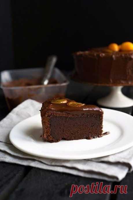 Тотально шоколадный торт.