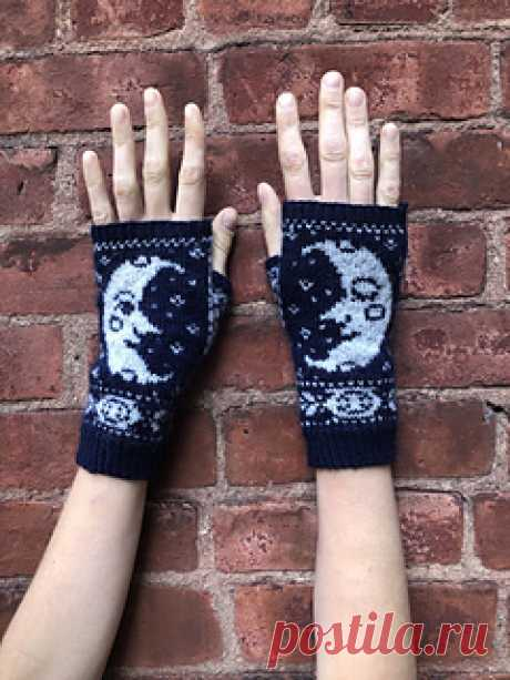 Sweet Moon pattern by Grace Lidinsky-Smith  Here's a pair of sweet little moon mitts for all your dreamiest activities. Wear these while:
