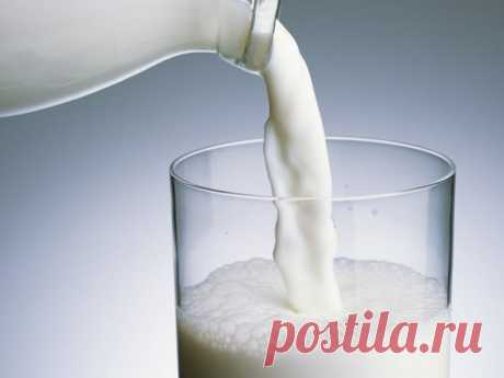 The glass of milk after a breakfast can be surprisingly useful to health of an oral cavity.