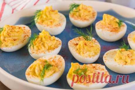 Фаршированные яйца на любой вкус: 17 самых простых вариантов приготовления