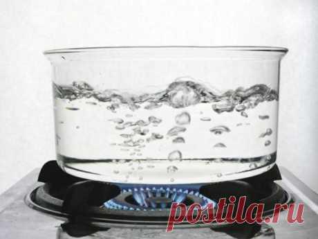 В чем вред повторного кипячения воды