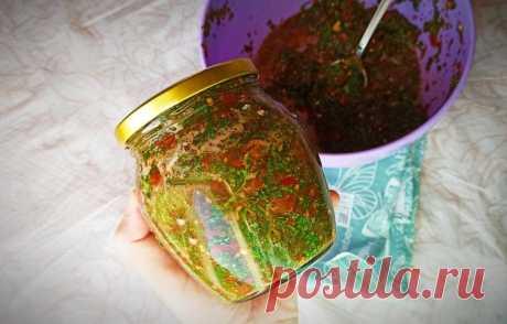 Из поздней петрушки и томатов за 5 минут делаю заправку для супов и соусов на зиму без варки и стерилизации   Рекомендательная система Пульс Mail.ru
