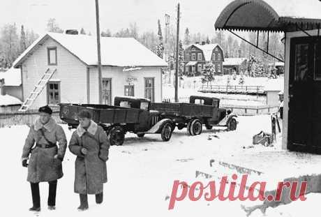 «Мы первые напали на Финляндию. Я воевать не желаю…»  Из отчетов НКВД — почему финской моське удалось покусать советского слона Сталин и все руководство СССР очень хотели знать, что говорят и делают граждане, когда думают, что начальство не видит их. Отчеты сотрудников НКВД и доносы показали, как советская пропаганда, столкнув…