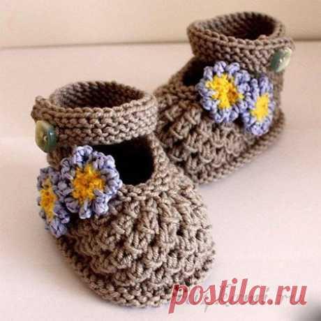 Пинетки-сандали с шишечками спицами