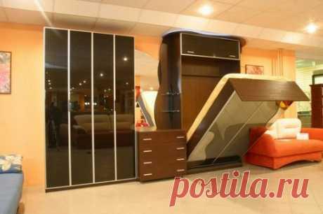Шкаф-кровать трансформер: 6 советов по выбору Сейчас часто можно встретить малогабаритные квартиры: малосемейки, однокомнатные квартиры, квартиры с несколькими маленькими комнатами.