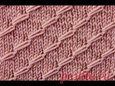 Очень интересный и необычный узор из диагональных петель спицами.
