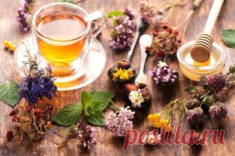 ЦЕЛЕБНЫЕ ДОБАВКИ К ЧАЮ ДЛЯ ЗДОРОВЬЯ  Черный и зеленый чай — кладезь витаминов и питательных веществ. Они являются природными антиоксидантами, снимают стресс, поднимают настроение, согревают в морозы. Казалось бы, может ли этот напиток быть еще полезнее? Конечно, да. Мы выбрали для вас 14 лучших лечебных добавок, которые сделают любимый напиток еще вкуснее и полезнее. Заваривайте чай, укрепляйте иммунитет и согревайтесь!  1. Ягоды облепихи Облепиха — это, пожалуй, мировой р...