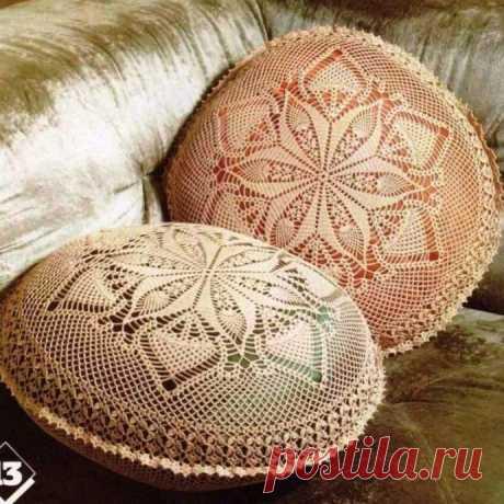 Круглые подушки для интерьера, вяжем крючком