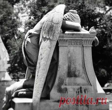 «Ангел скорби»: трагическая история загадочного памятника, который не включают в туристические проспекты