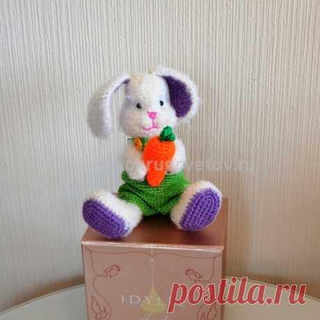 Заказать игрушку ручной работы - вязаный зайка купить от Вокруг цветов. Доставка на дом.
