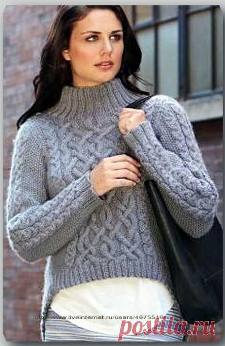 Пуловер с асимметричным низом.