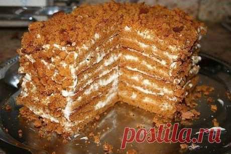 Как приготовить простой медовый тортик, для тех, кто не любит раскатывать тесто - рецепт, ингридиенты и фотографии