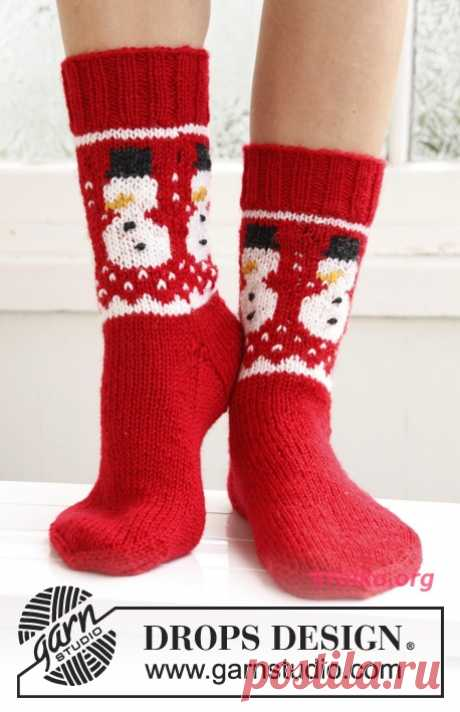 Socks with a snowman. Knitting of socks spokes