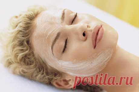 El almidón de las arrugas — el efecto como de los pinchazos botoksa