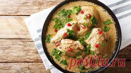 Сациви из курицы по-грузински - все тонкости приготовления! Ореховый соус | Грузинская кухня Все секреты приготовления настоящего грузинского Сациви из курицы. Потрясающий ореховый соус к птице, вам точно понравится! Грузинская кухня.Ингредиенты:   Курица - 1 кг  Вода очищенная - 2,5 л  Морковь - 1 шт.  Лук репчатый - 1+1 шт.  Лавровый лист - 3 шт.  Перец черный горошком - 1...