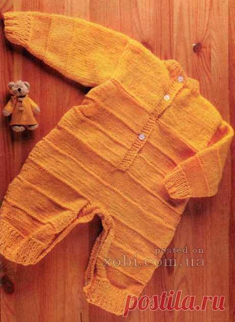 желтый комбинезон для малыша вязаный спицами