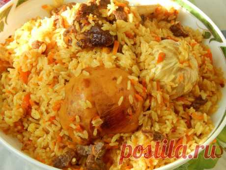 Мастер-класс: как приготовить настоящий узбекский плов      Вы пробовали когда-нибудь настоящий плов? Душистый аромат, желтый рассыпчатый рис, сочные, пропитанные приправами кусочки мяса и запеченный чеснок в середине казана… Вкус этого потрясающего блюда…