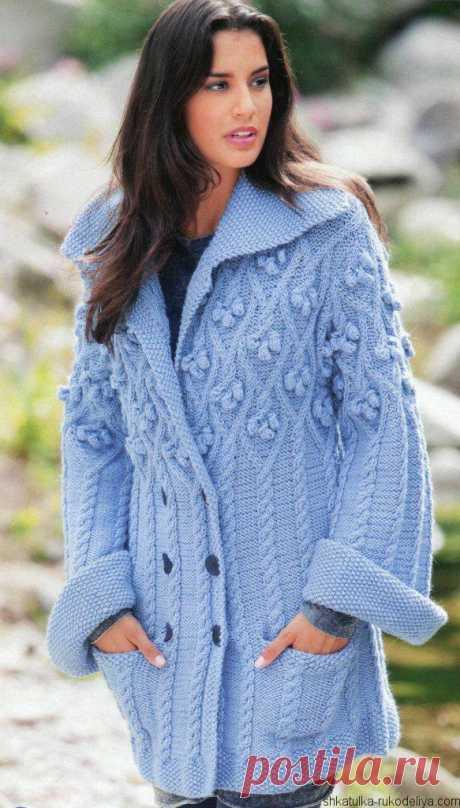 Женское вязаное пальто спицами описание. Описание вязания женского пальто   Шкатулка рукоделия. Сайт для рукодельниц.