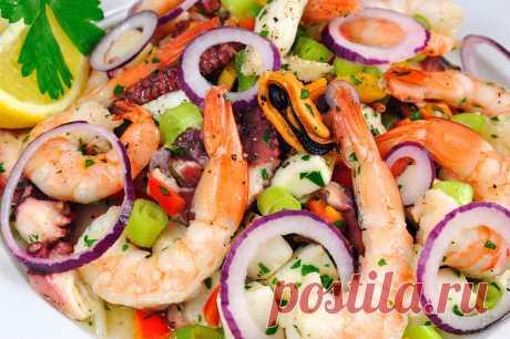 Салаты из морепродуктов на Новый год 2019: рецепты с фото, вкусно и просто