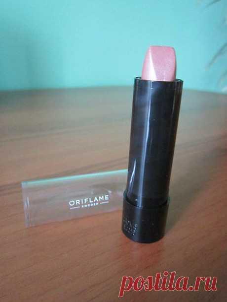 Губная помада «100%цвета»(Серебристый Розовый). Лучший вариант для тех, кто привык выбирать самое нужное. Мягкая текстура, чистый кремовый цвет и увлажняющая формула.