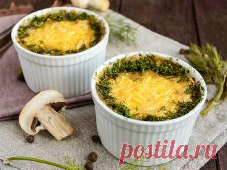 Оригинально, но в тоже время очень просто - Картофельные мини-пироги с грибами Отличный вариант для семейного ужина!