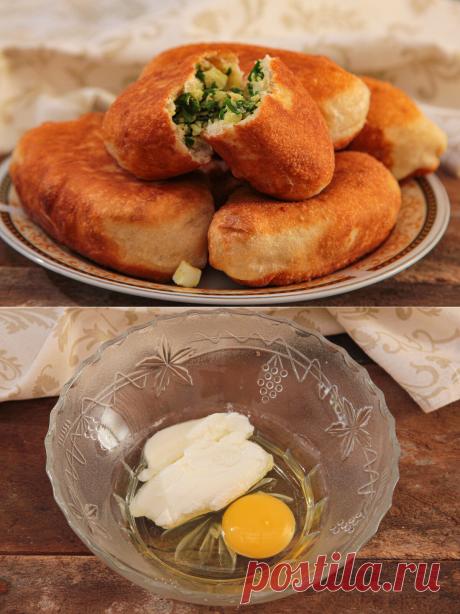 Готовлю пирожки на кефирном тесте, которые совсем не впитывают масло при жарке: делюсь своим рецептом | Я Готовлю... | Яндекс Дзен