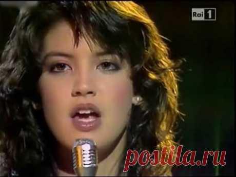 Phoebe Cates - Paradise (Discoring '82)
