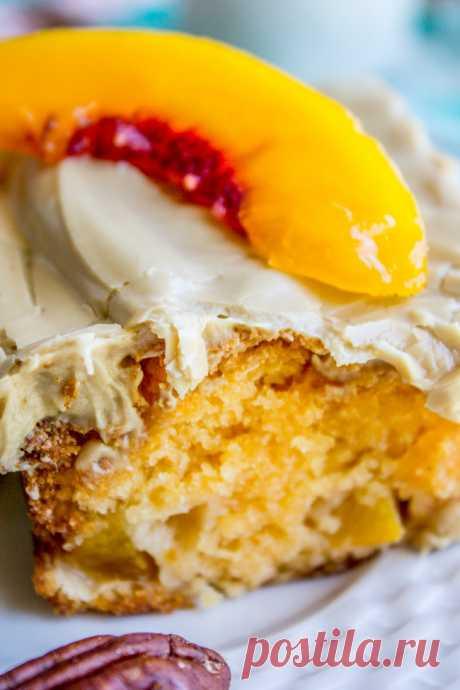 Персиковый торт с коричневой сахарной глазурью - пищевой шарлатан