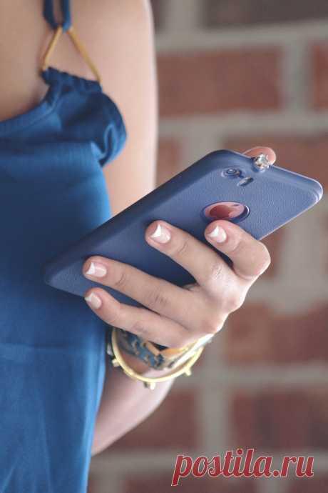 СМОТРИТЕ: Если вы оставляете на ночь мобильный телефон возле кровати — обязательно прочтите эту статью!