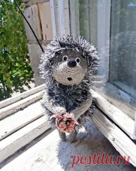 PDF Ёжик из тумана. Бесплатный мастер-класс, схема и описание для вязания плюшевой игрушки амигуруми крючком. Вяжем игрушки своими руками! FREE amigurumi pattern. #амигуруми #amigurumi #схема #описание #мк #pattern #вязание #crochet #knitting #toy #handmade #поделки #pdf #рукоделие #ёж #ёжик #ежик #hedgehog