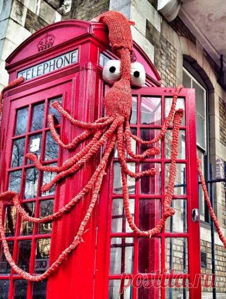 Wool ~Y~ wooD 10 brilliant animal yarn bombs - with lots of squid!