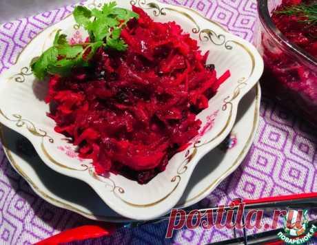 Свекольный салат с чесноком и черносливом – кулинарный рецепт