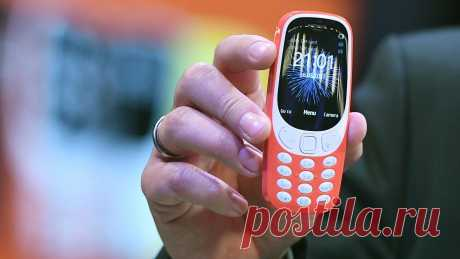 Почему стоит вернуться к кнопочным телефонам в 2020 году Сегодня у каждого есть свой смартфон, а кнопочные мобильники, казалось бы, остались далеко в прошлом. Но это не совсем так, ведь в наше время многие