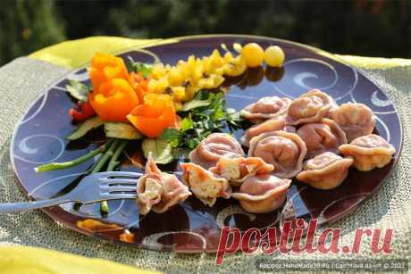 Свекольные пельмени – пошаговый кулинарный рецепт с фото Свекольные пельмени с курицей «Фламинго» – пошаговый рецепт с фото. Как приготовить красивые пельмени для детского питания. Русская кухня