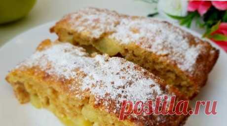 Ешь хоть на ночь, хоть каждый день! Диетический пирог без грамма муки с яблоками Пирог с овсяной мукой, творогом, медом и яблоками – это удачное сочетание вкуса и аромата, вы можете готовить его на завтрак или полдник. Ингредиенты: — овсяные хлопья, 150 г; — яблоки, 2 шт; — яйца, 3 шт; — творог, 100 г; — мед, 50 г; — корица по вкусу; — кефир, 50 мл; — разрыхлитель, …