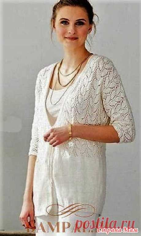 """Openwork cardigan spokes. The snow-white openwork jacket has a sleeve style \""""bat\"""" and is connected by drawing with branches of leaves. The description of knitting of a jacket is translated from the Vogue Knitting magazine. Sizes:"""