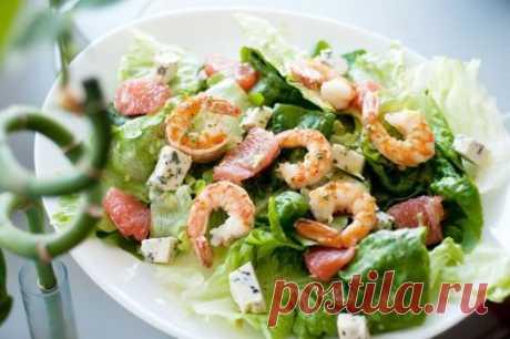"""Садат из морепродуктов """"Морское очарование"""". Салат очень легкий, тонкий, с шикарным вкусовым букетом."""