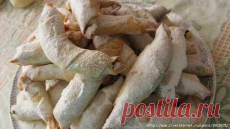Обалденные рогалики - тончайшее, хрустящее тесто и много сладкой вкусной начинки!