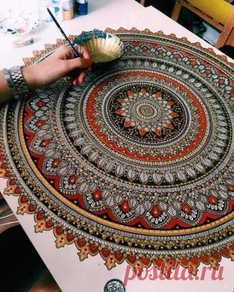 Vivo mandaly de la pintora Asmahan Mosleh británica