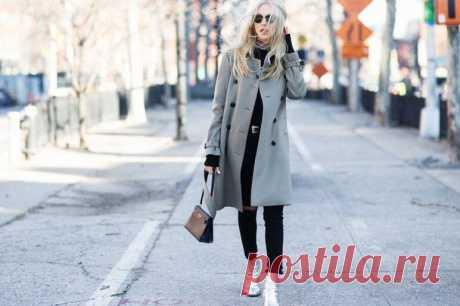С чем носить пальто оверсайз женское - модные луки. Пальто – классическая вещь привычного гардероба, имеющая правильный крой и лаконичный силуэт. Однако, не все так просто, как кажется – сегодня в тренде объемная одежда – джинсы, свитера, куртки. Одежда в стиле оверсайз буквально каких-нибудь 10-20 лет тому назад могла казаться смешной и нелепой.