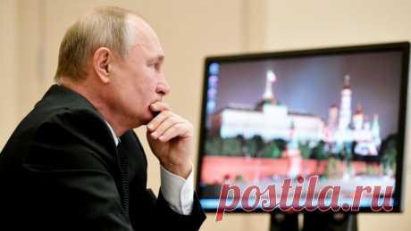 Вот почему Путин до сих пор пользуется Windows XP, которая не поддерживается уже 5 лет По олдскулу.