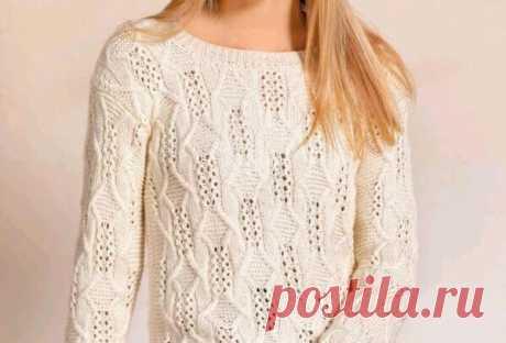 Пуловер со сквозными мотивами (и для статных дам) В укороченном пуловере прямого силуэта красивый рельефный узор со сквозными мотивами особенно выразителен на светлом фоне мягчайшей пряжи на основе шерсти и шелка