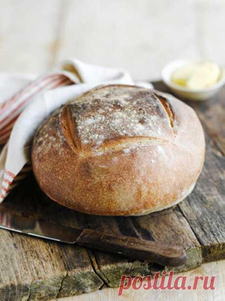 Рецепт хлеба на закваске  Рецепт хлеба на закваске многих отпугивает кажущейся сложностью приготовления На самом деле это не так... И это вам покажет Джейми Оливер в своем пошаговом рецепте. Освойте приготовление закваски - и вы всегда сможете испечь идеальный хлеб!
